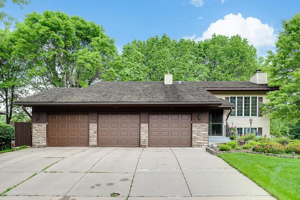 6726 Upper 28th N Property Photo - Oakdale, MN real estate listing