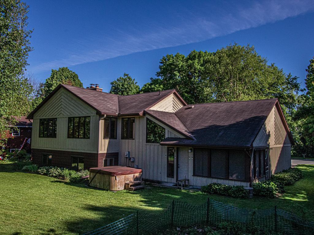 816 Ivanhoe Property Photo - Northfield, MN real estate listing