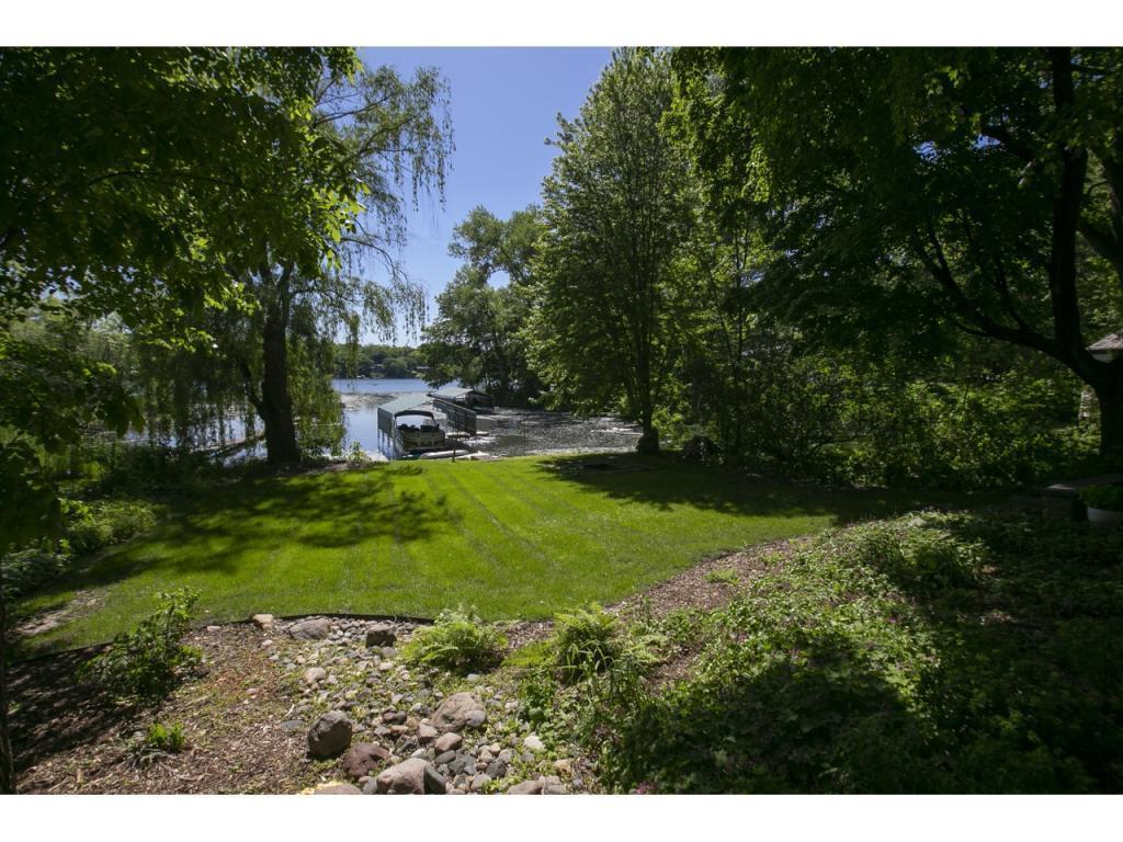 7016 Dakota Property Photo - Chanhassen, MN real estate listing