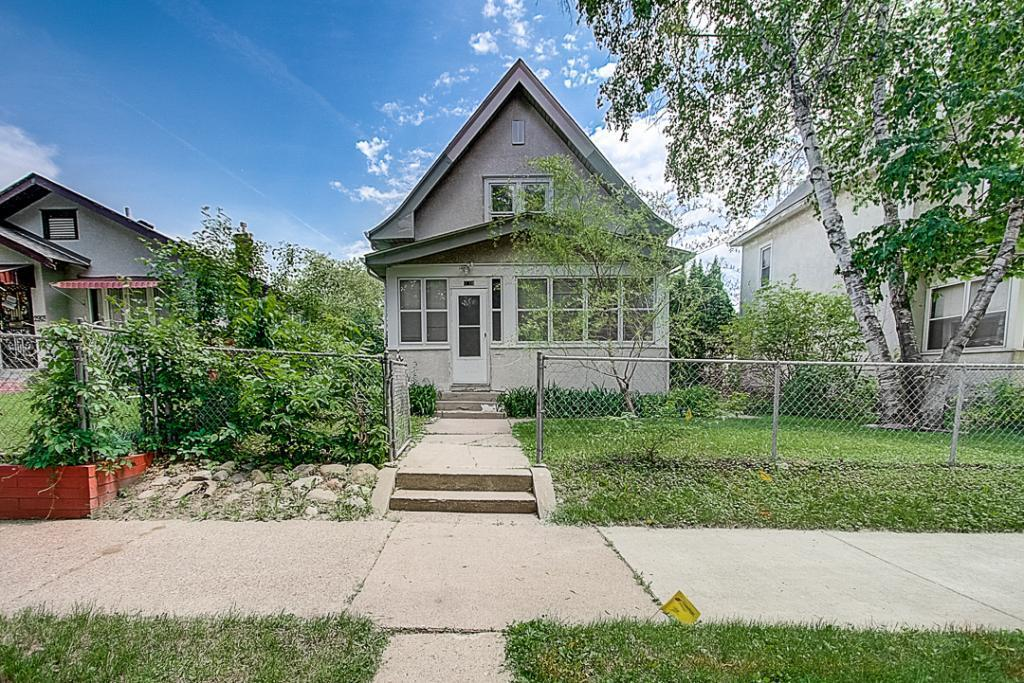 2914 Oliver N Property Photo - Minneapolis, MN real estate listing