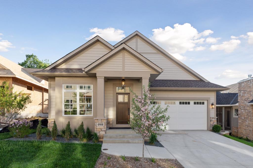 4904 Hawthorne Property Photo