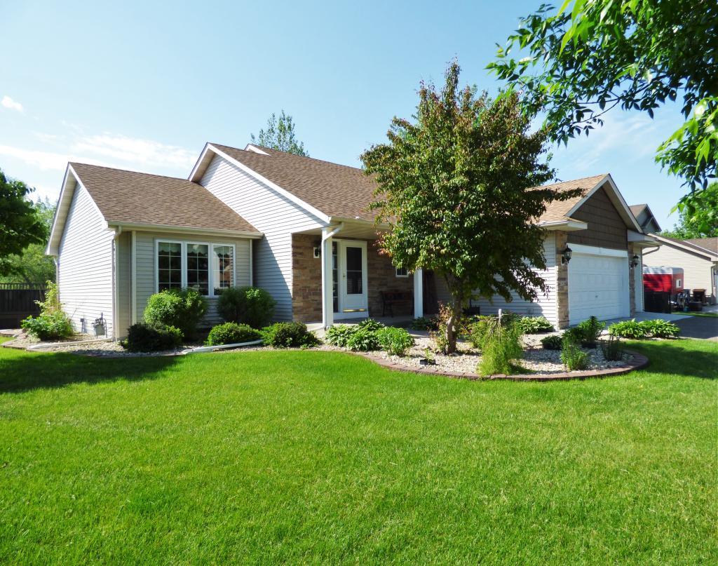 5436 Kahl Avenue NE Property Photo - Albertville, MN real estate listing