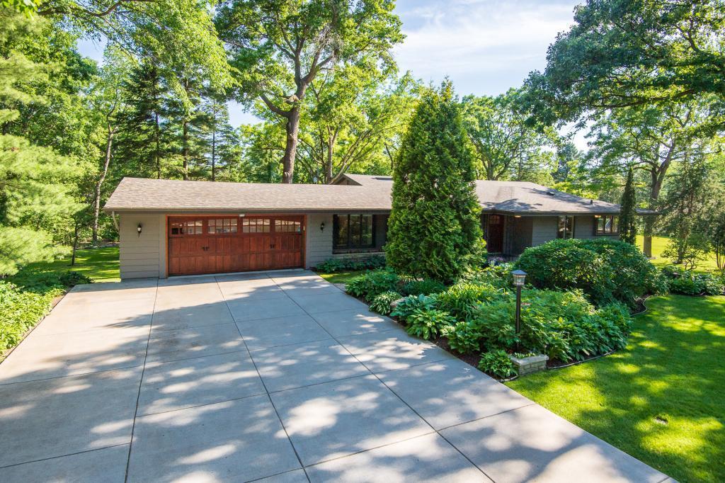 4641 White Oak Property Photo - Minnetonka, MN real estate listing
