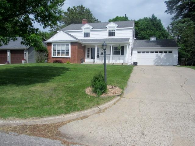 1314 Ridgeview Drive Property Photo - Montevideo, MN real estate listing