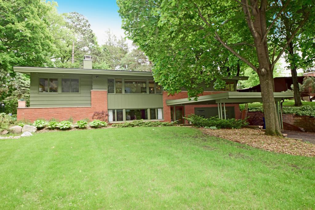 11301 Park Ridge W Property Photo - Minnetonka, MN real estate listing