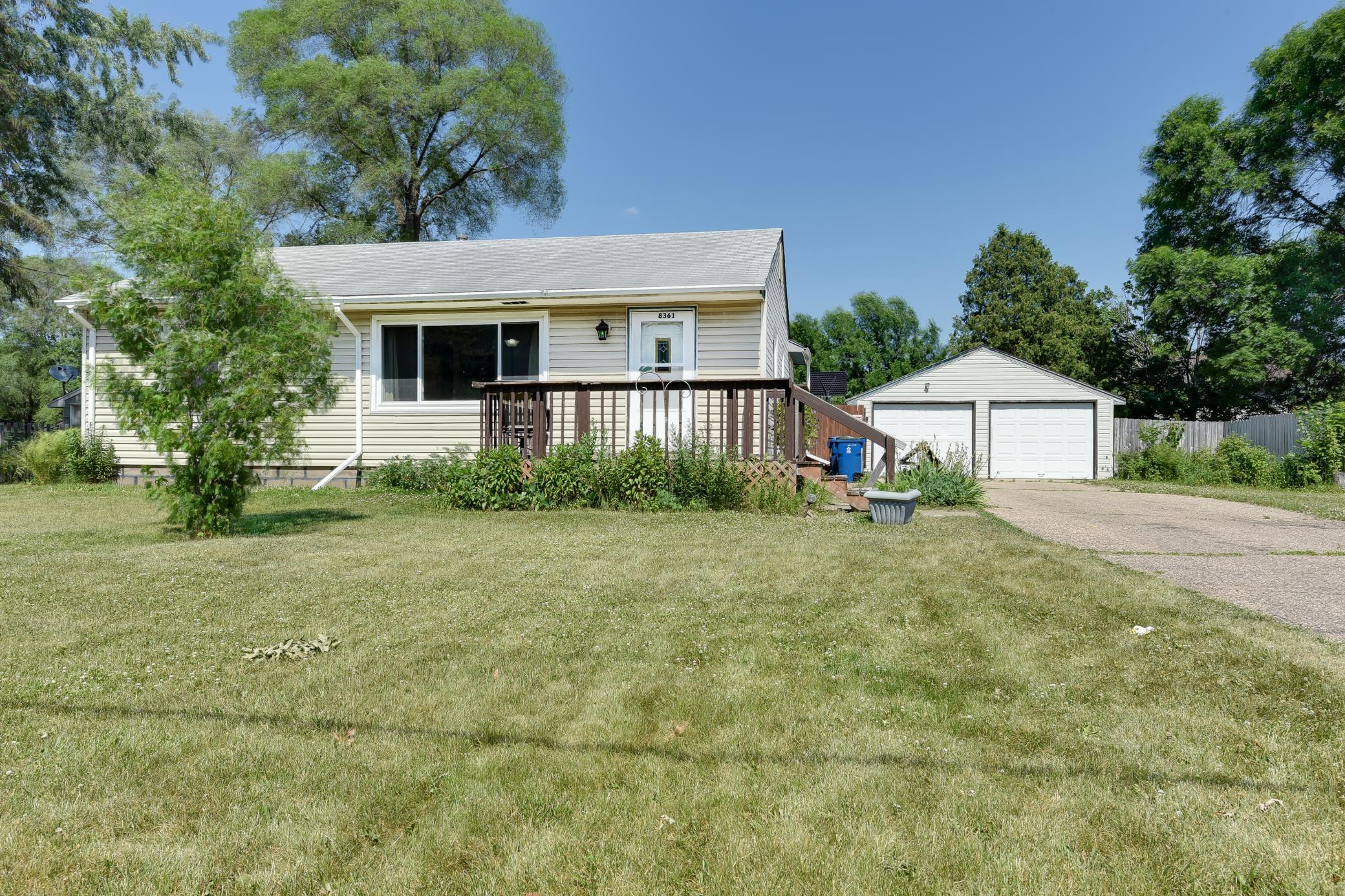 8361 River Nw Property Photo