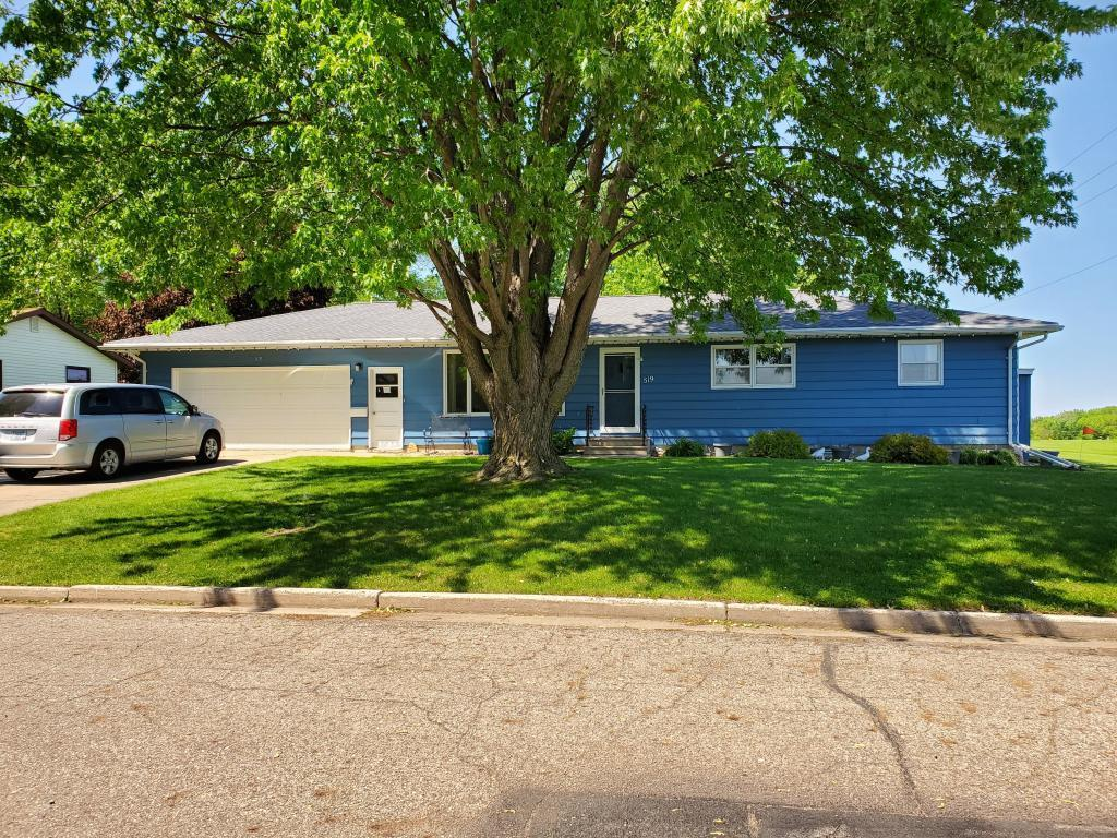 519 Hollett Property Photo - Tracy, MN real estate listing
