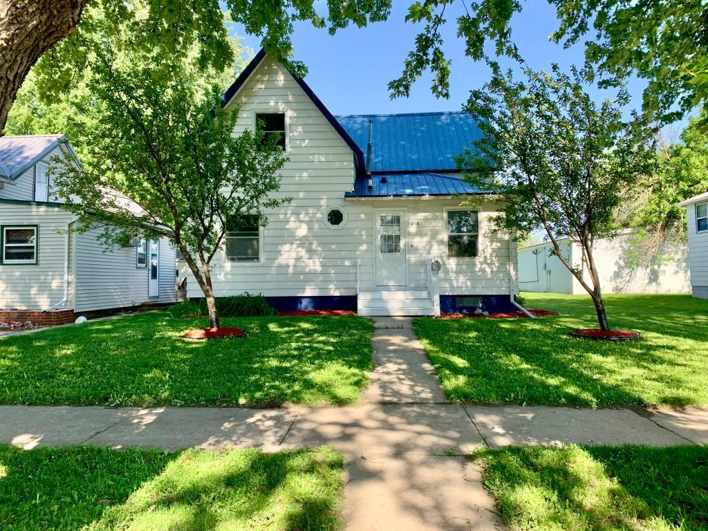 218 4th Avenue Property Photo - Sibley, IA real estate listing