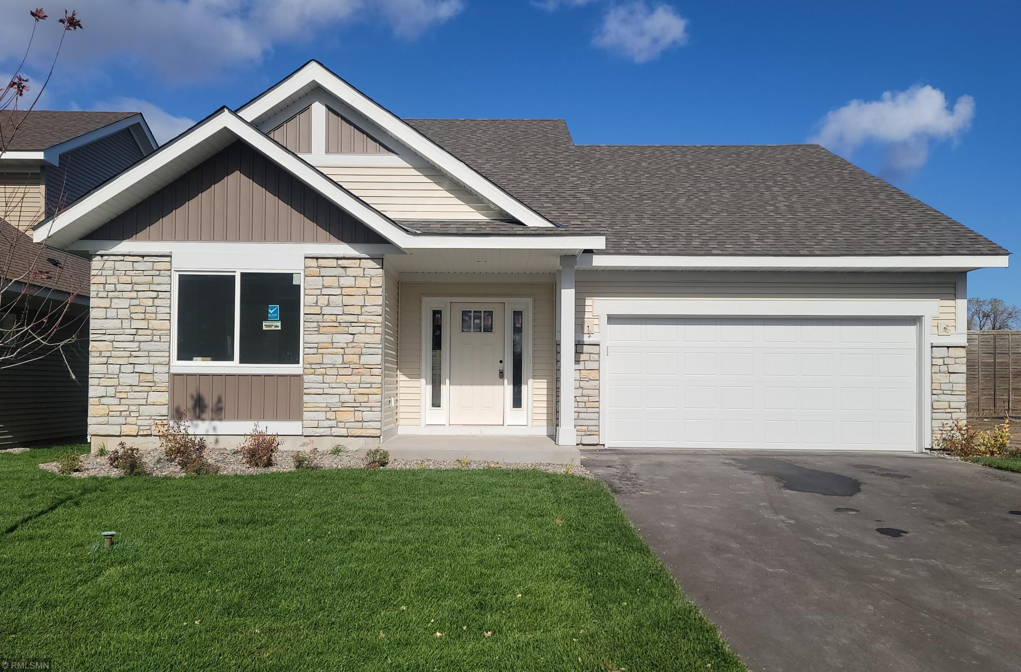 4922 93rd Way N Property Photo - Brooklyn Park, MN real estate listing