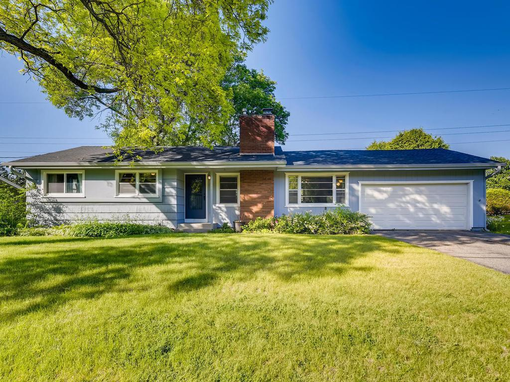 737 Mohican Property Photo - Mendota Heights, MN real estate listing