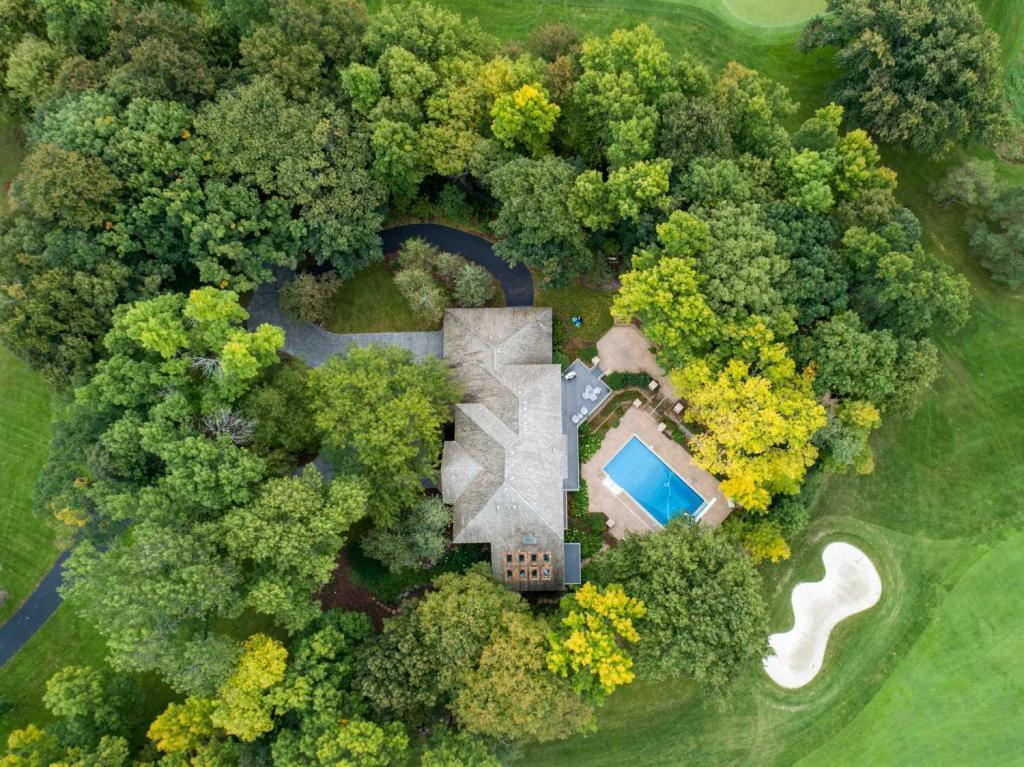 1 Spyglass Property Photo - Dellwood, MN real estate listing