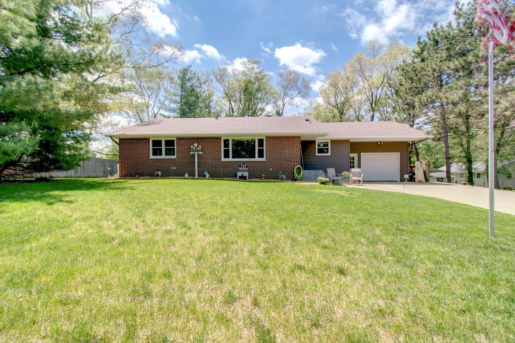 113 Everett Property Photo - Dundas, MN real estate listing