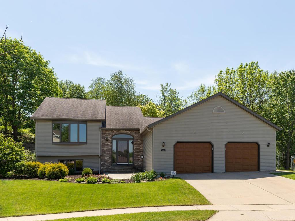 2024 26th SE Property Photo - Rochester, MN real estate listing