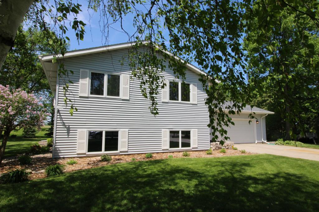 700 S 15th Street Property Photo - Olivia, MN real estate listing