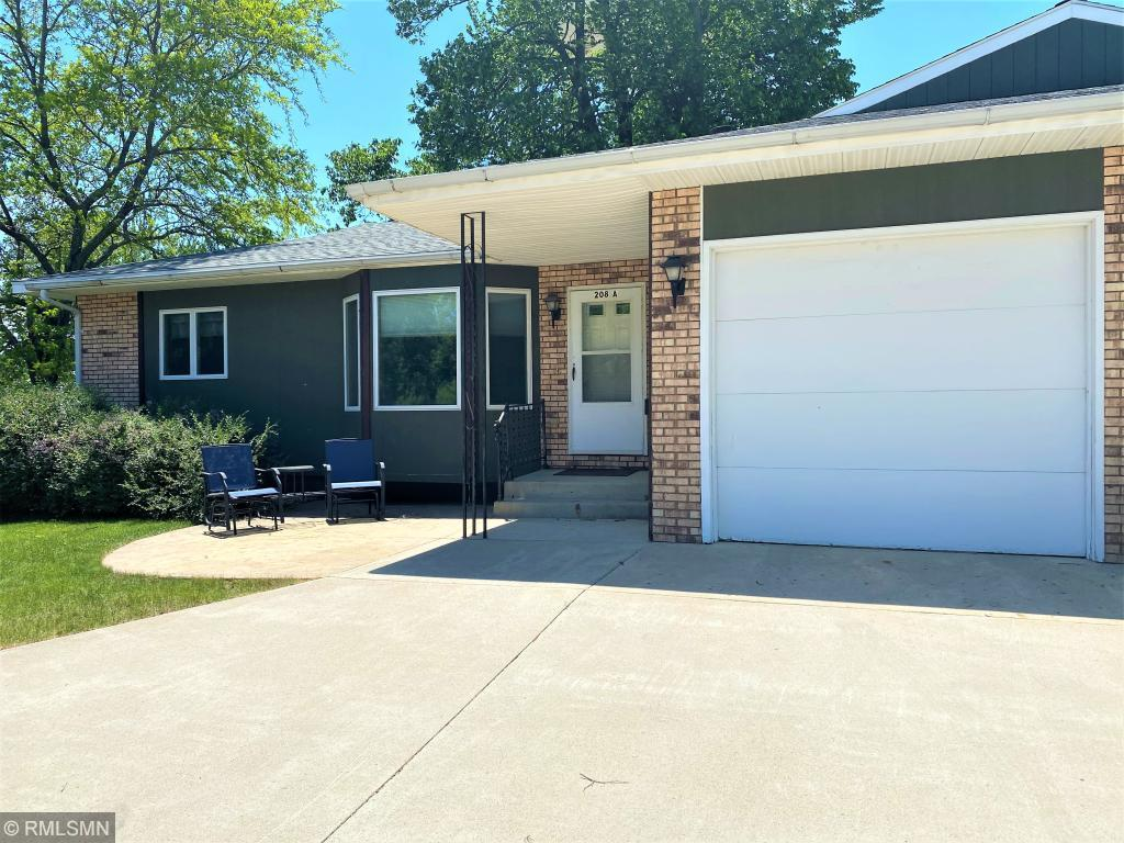 208 Lac Qui Parle N #A Property Photo - Canby, MN real estate listing