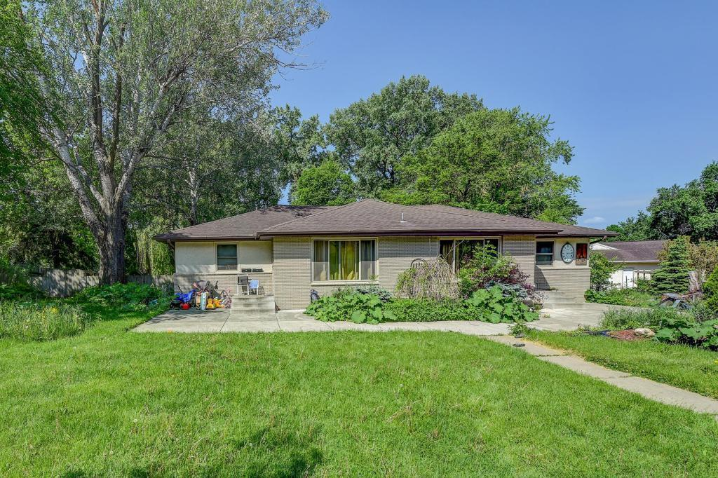 3335 Scott Avenue N Property Photo - Golden Valley, MN real estate listing