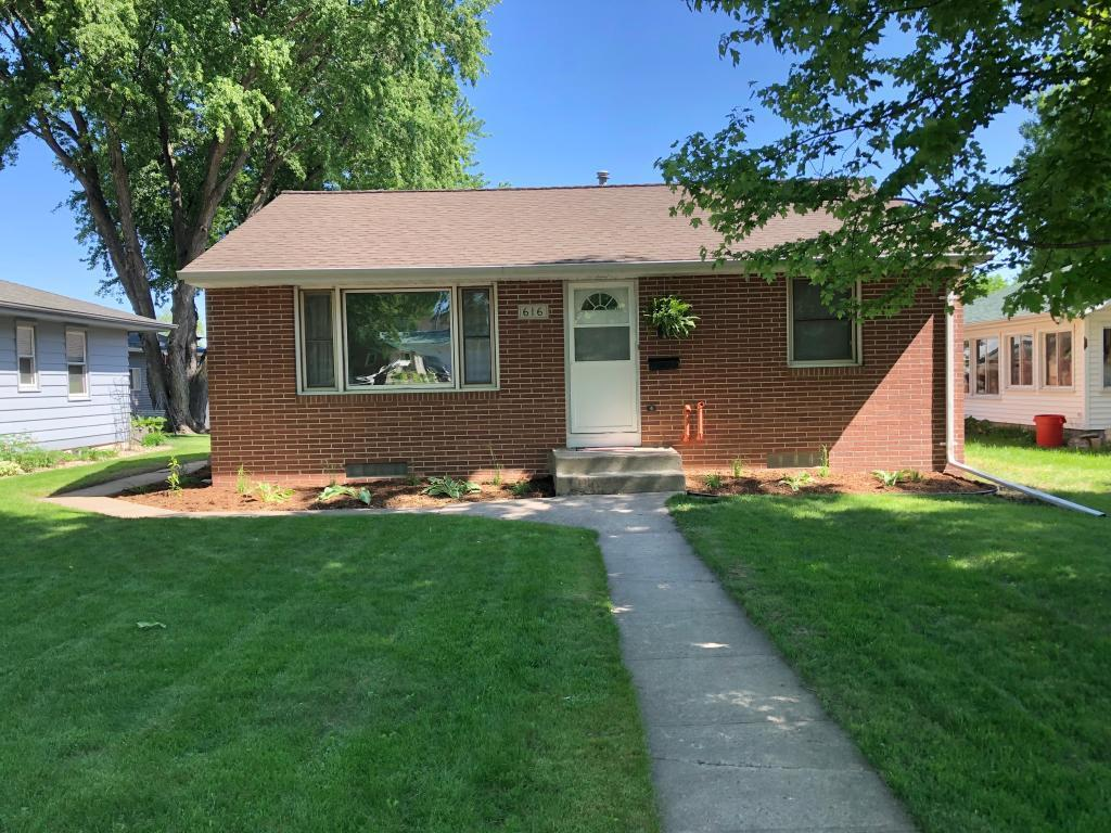 616 Lincoln Property Photo - Springfield, MN real estate listing