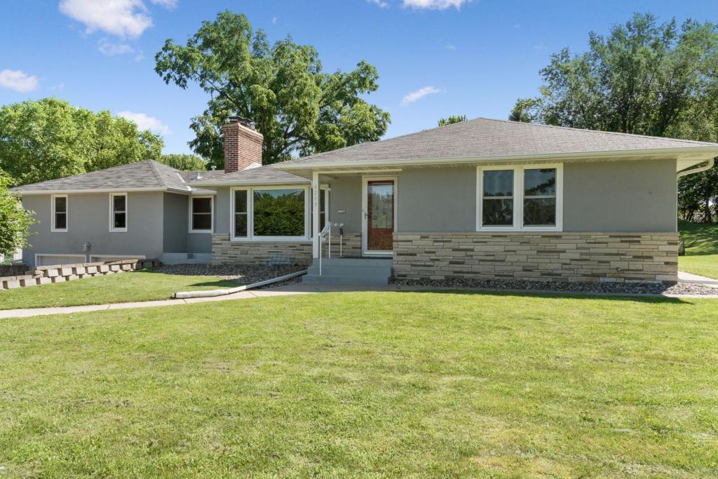 6209 Tracy Property Photo - Edina, MN real estate listing