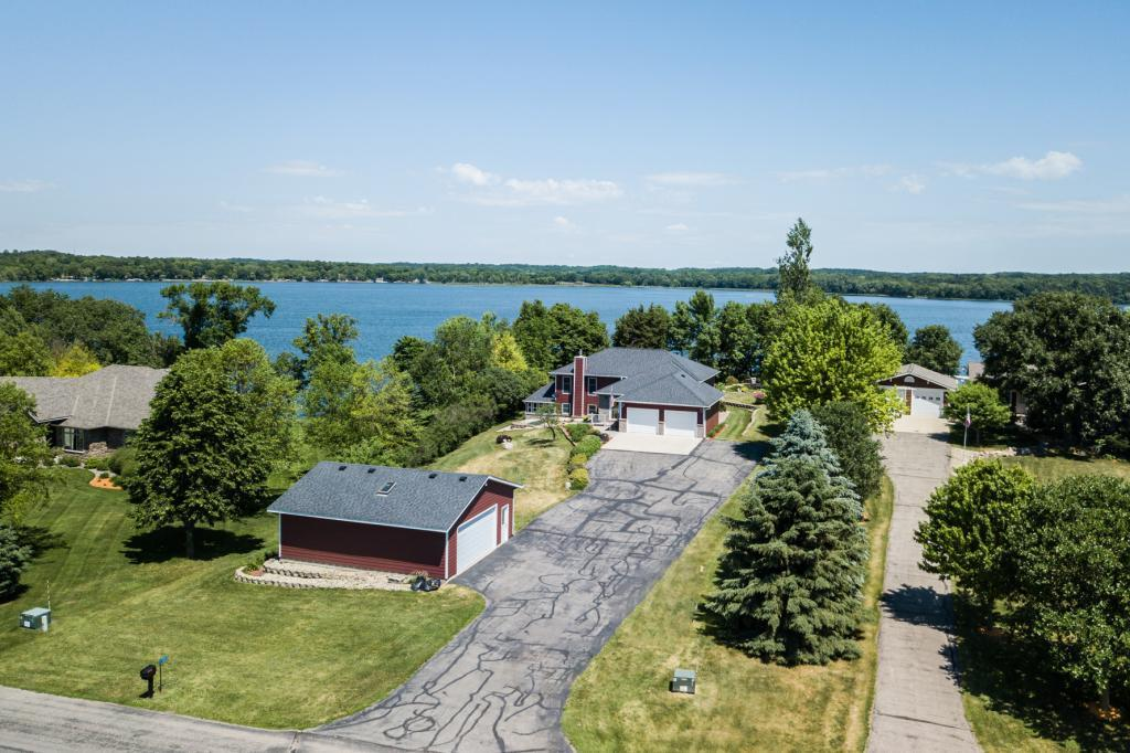 324 Andrew NW Property Photo - New London, MN real estate listing