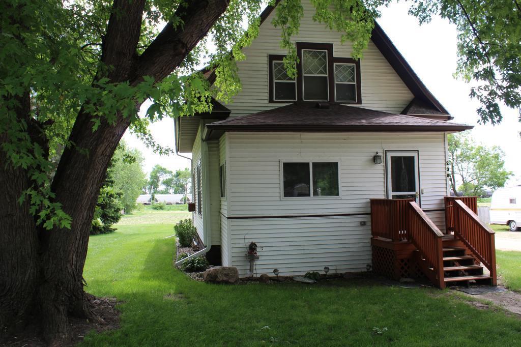 208 Luverne Property Photo - Magnolia, MN real estate listing