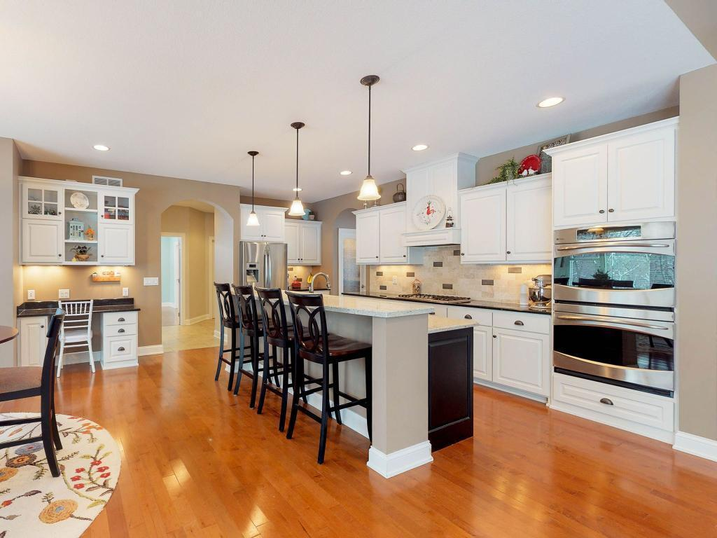 212 Woodhill Property Photo