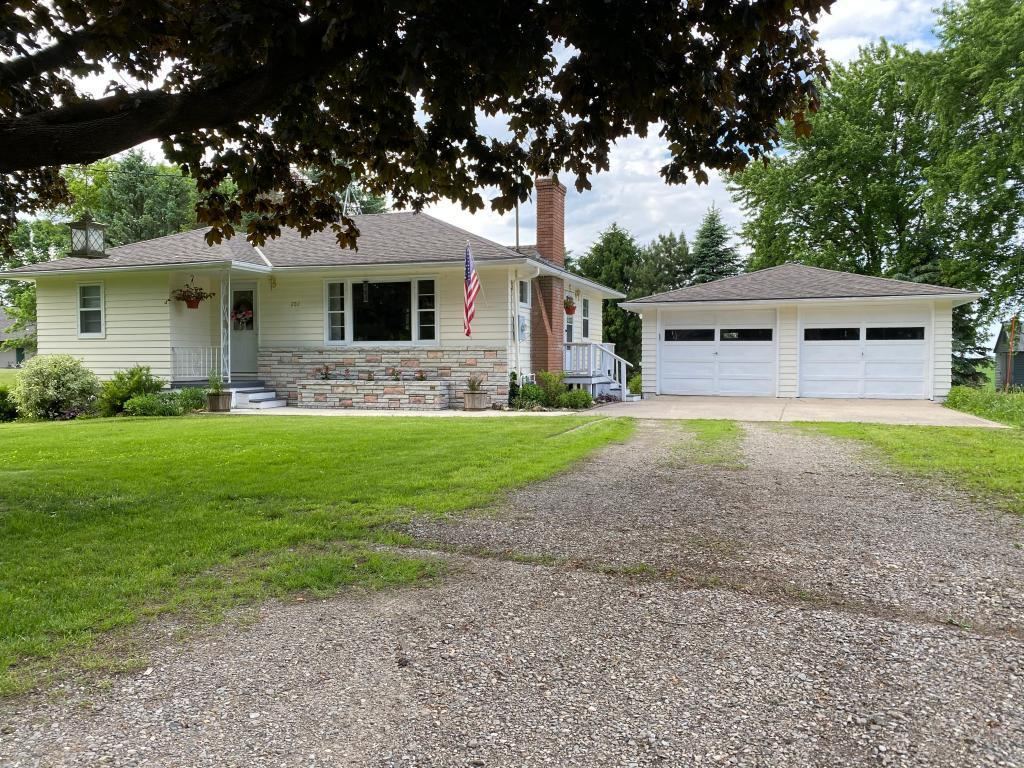202 Center Property Photo - Freeborn, MN real estate listing