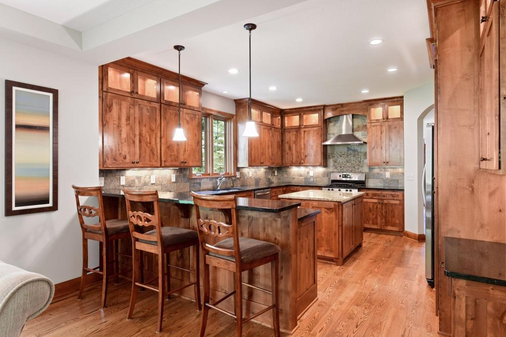 5377 Barrington Way Property Photo - Shorewood, MN real estate listing