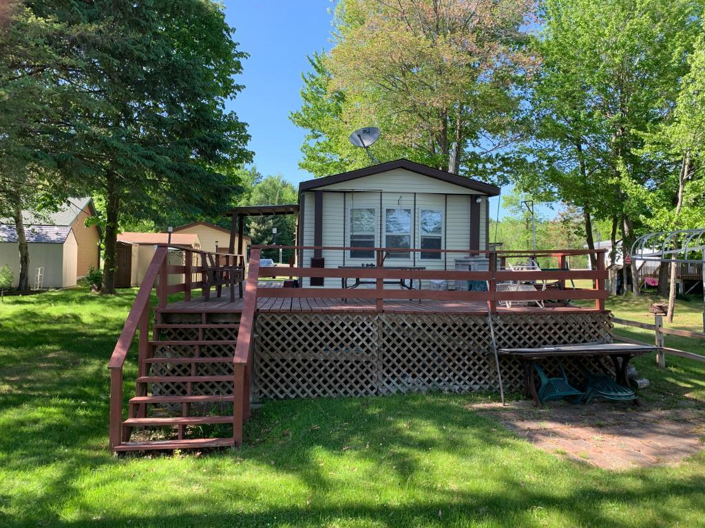 10206 Lakeside Property Photo