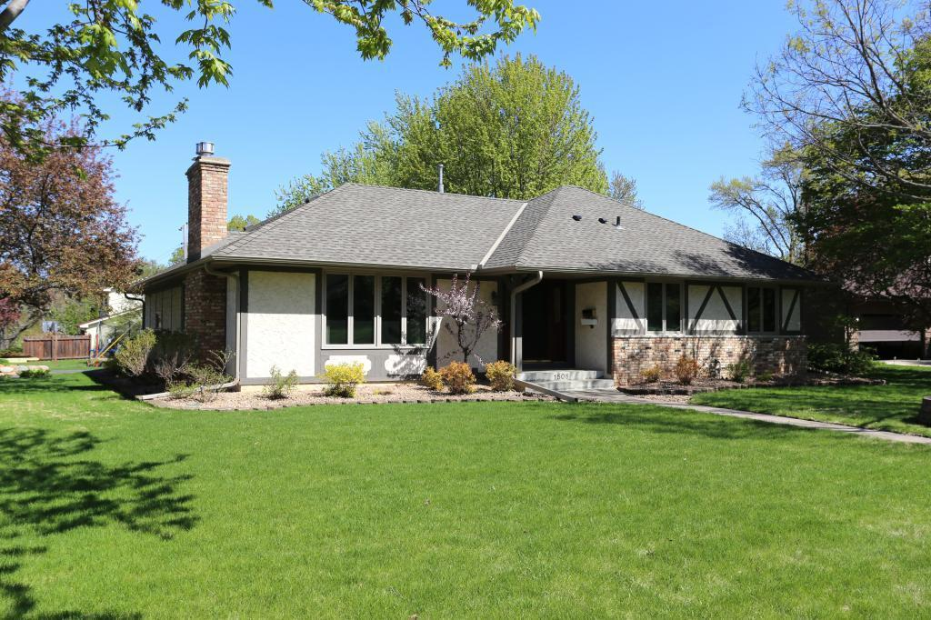 1506 Kelly Property Photo - Golden Valley, MN real estate listing