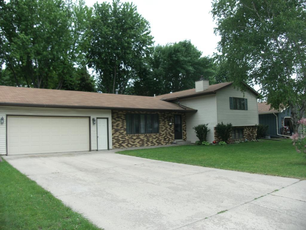 501 Viking Property Photo - Marshall, MN real estate listing