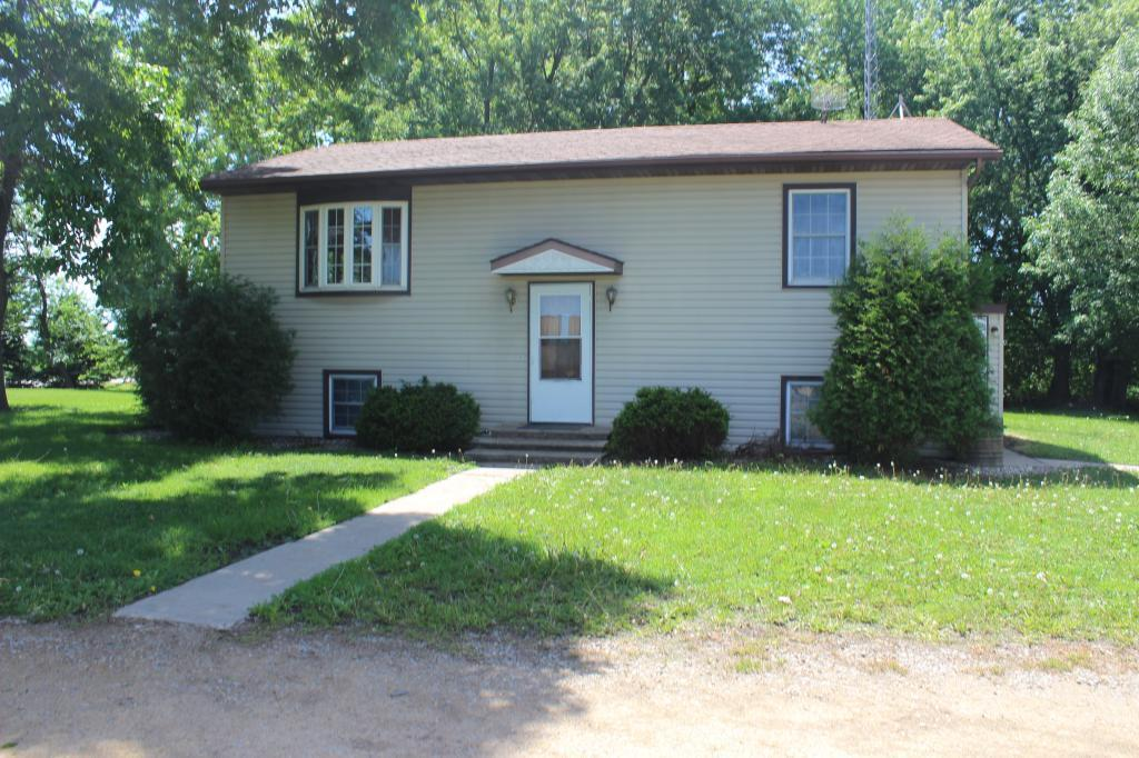 45213 State Highway 109 Property Photo - Delavan, MN real estate listing