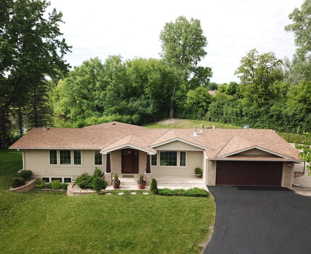 1935 Maryland N Property Photo - Golden Valley, MN real estate listing