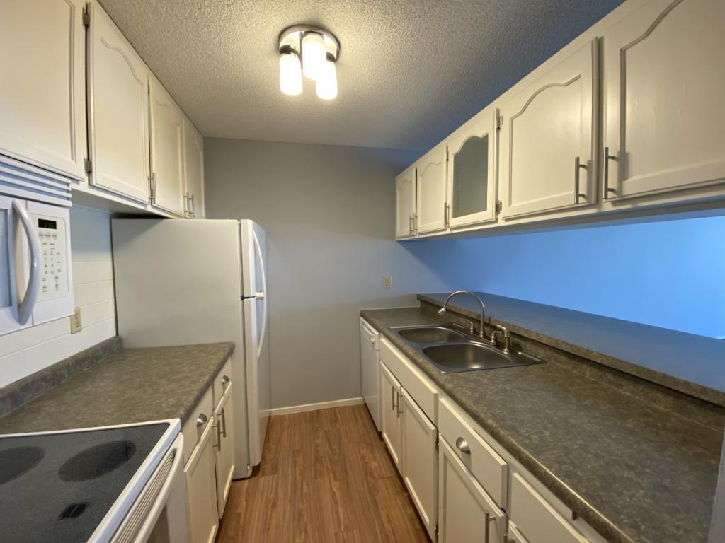 2800 Hamline Avenue N #118 Property Photo - Roseville, MN real estate listing