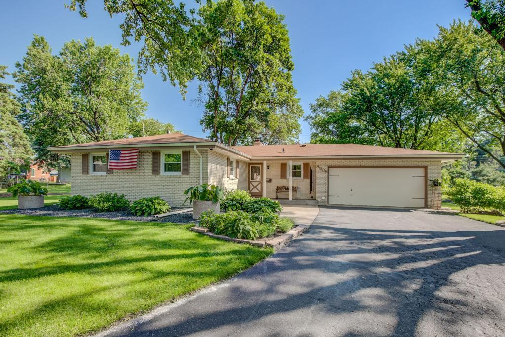 8908 16th Avenue Circle S Property Photo - Bloomington, MN real estate listing