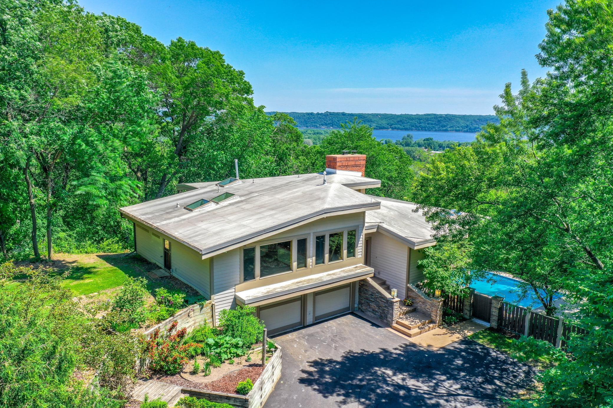 466 5th S Property Photo - Bayport, MN real estate listing