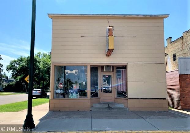 122 1st Avenue Se Property Photo
