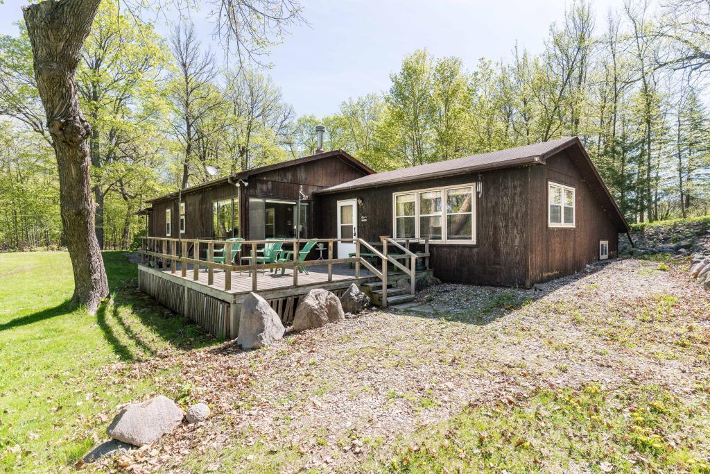 37375 Middle Lake Property Photo - Battle Lake, MN real estate listing