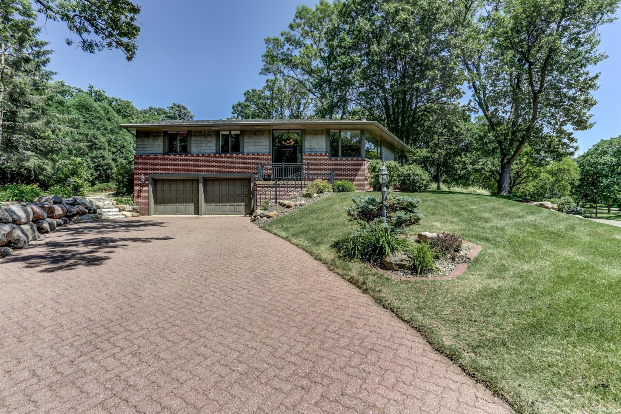 10025 James Avenue S Property Photo - Bloomington, MN real estate listing