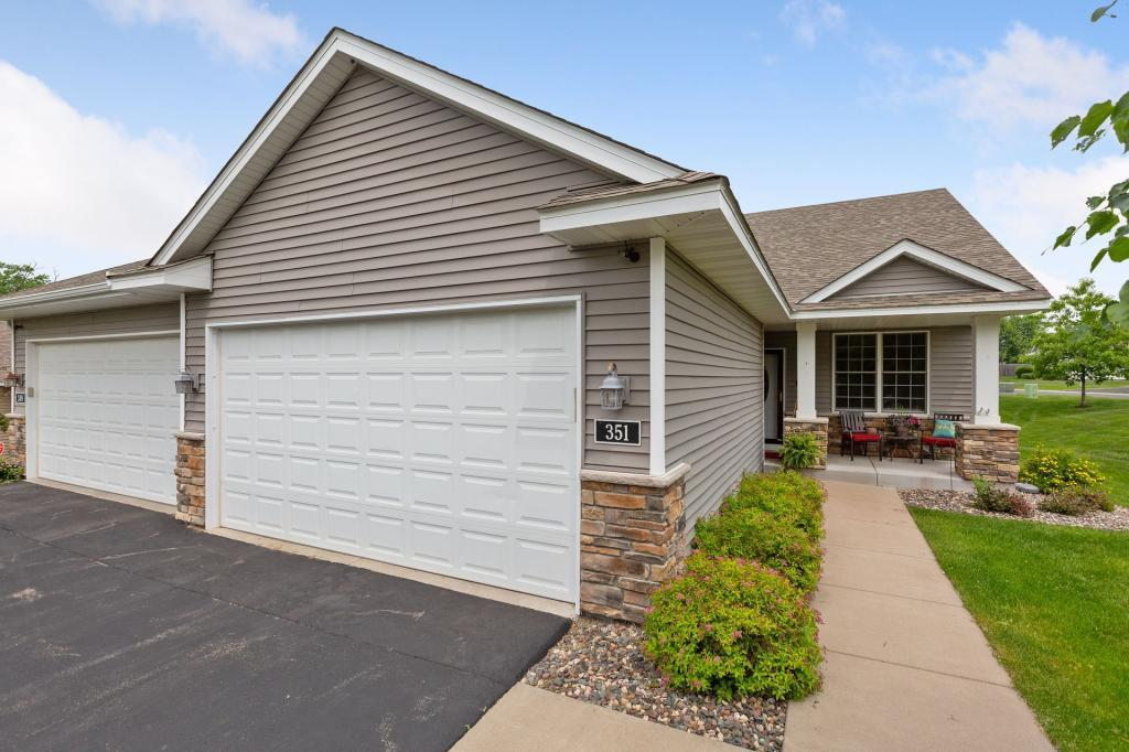 351 Sophia E Property Photo - Maplewood, MN real estate listing