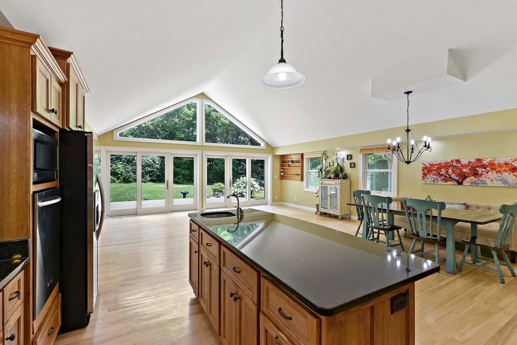 10745 Morgan Circle S Property Photo - Bloomington, MN real estate listing
