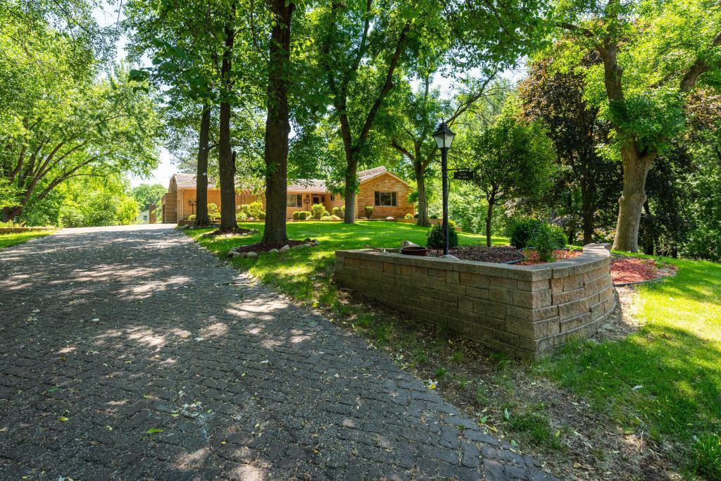 2016 Ensign N Property Photo - Golden Valley, MN real estate listing