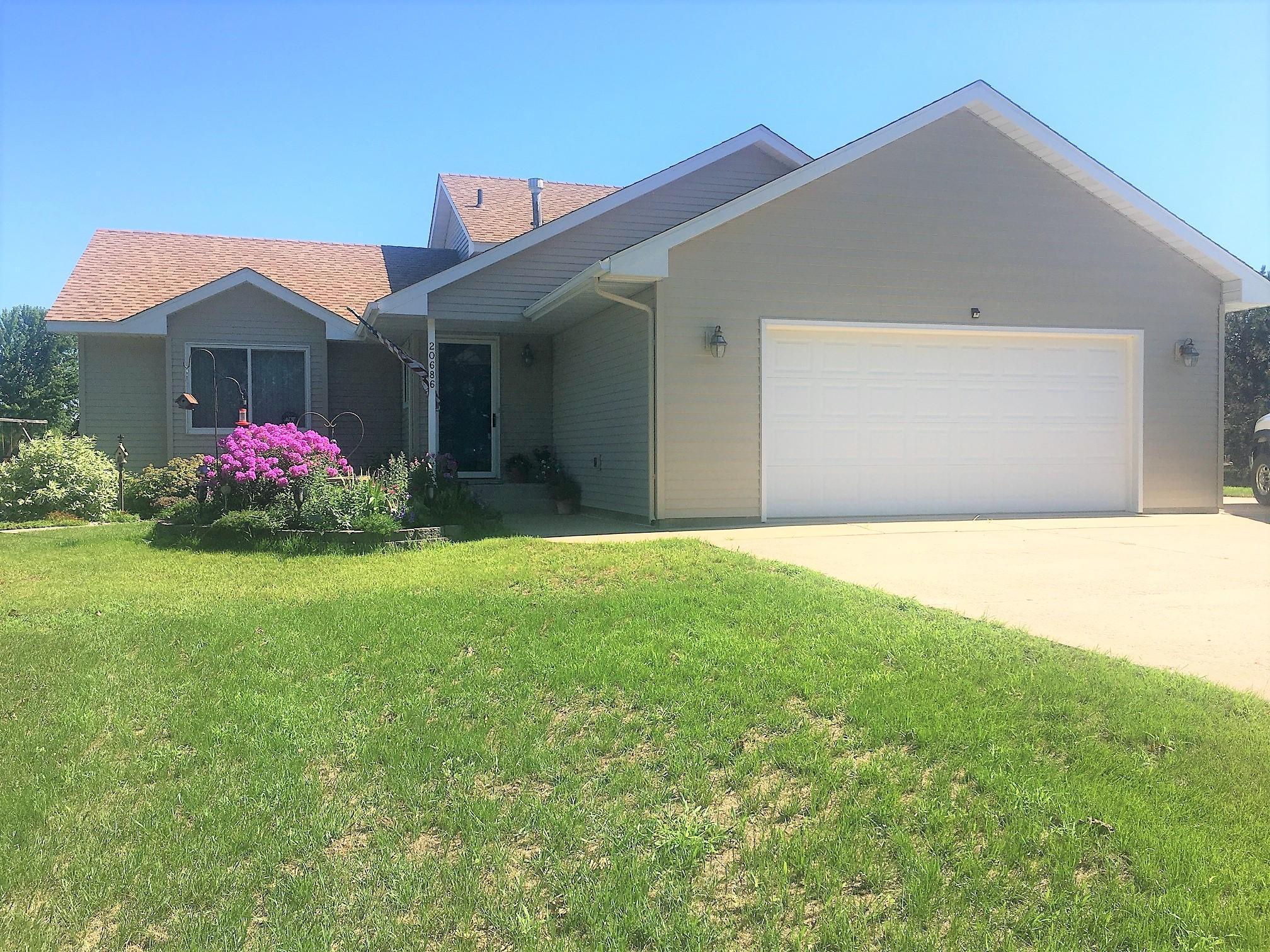 20686 Becker Lake Circle Property Photo