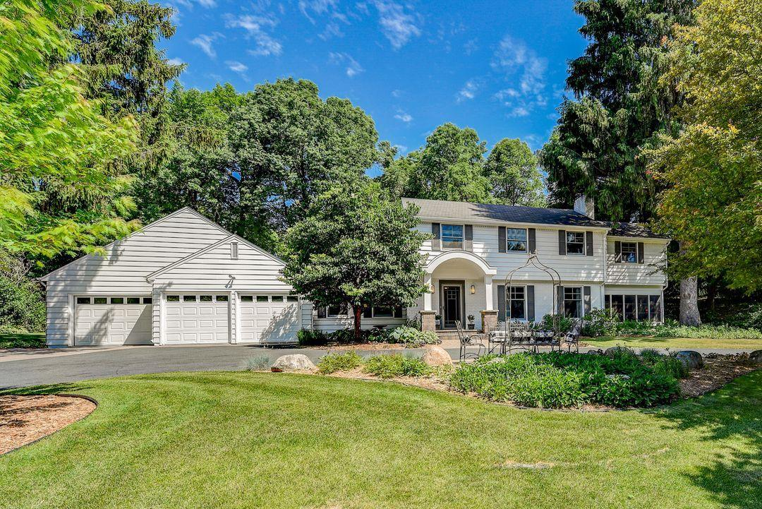 133 Chevy Chase Property Photo