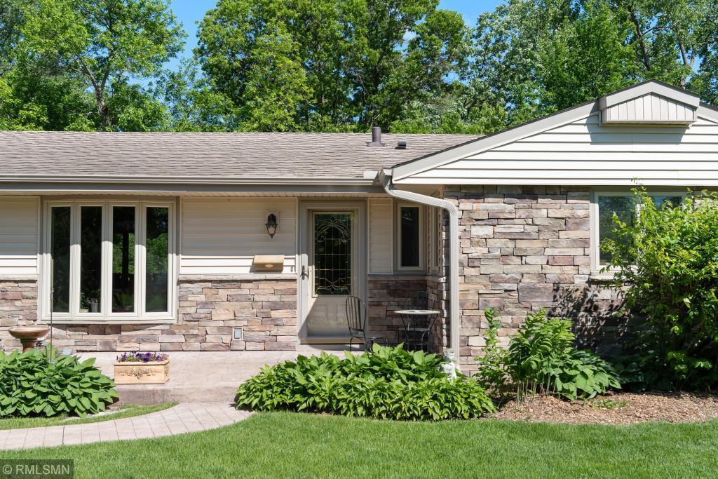 2851 Aquila Avenue S Property Photo - Saint Louis Park, MN real estate listing