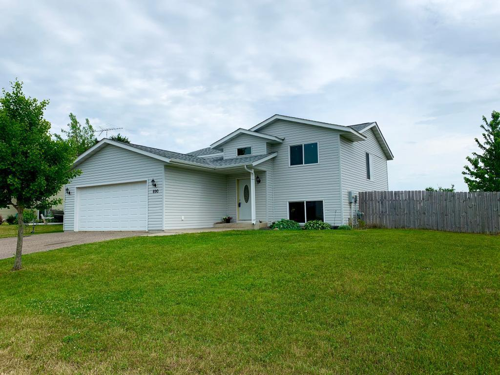 690 Texas NW Property Photo - Hutchinson, MN real estate listing