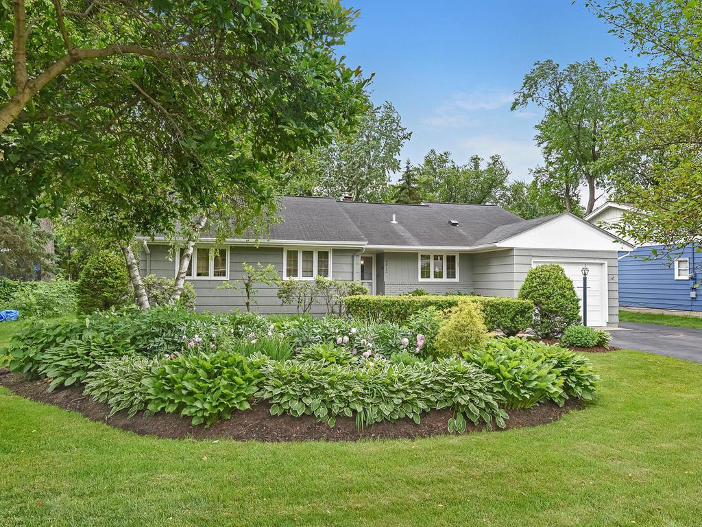 4813 60th Property Photo - Edina, MN real estate listing