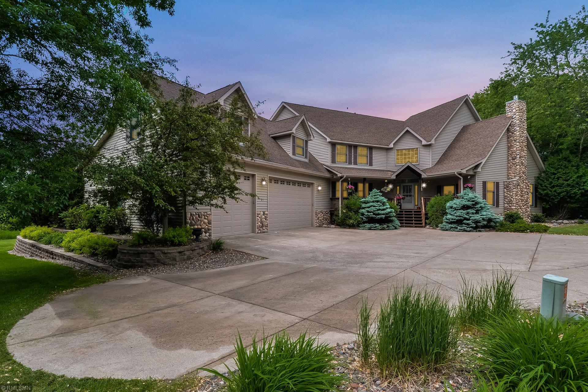6265 Holly N Property Photo - Lino Lakes, MN real estate listing