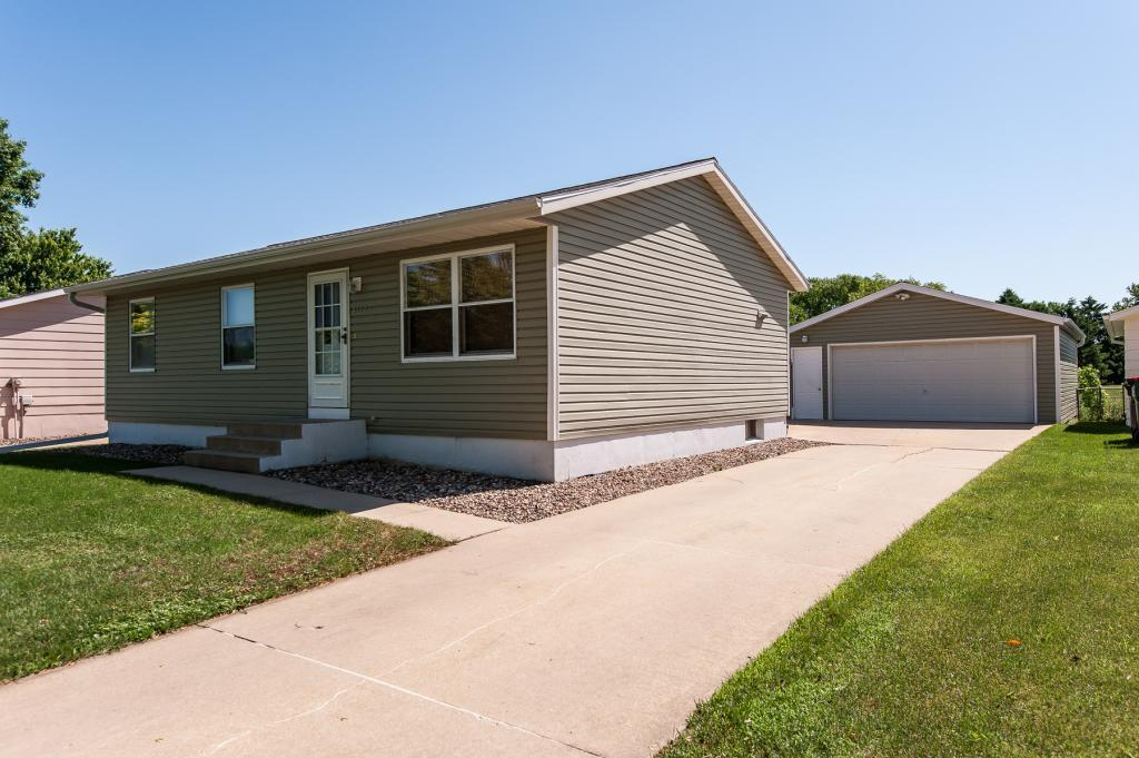 4912 21st NW Property Photo - Rochester, MN real estate listing