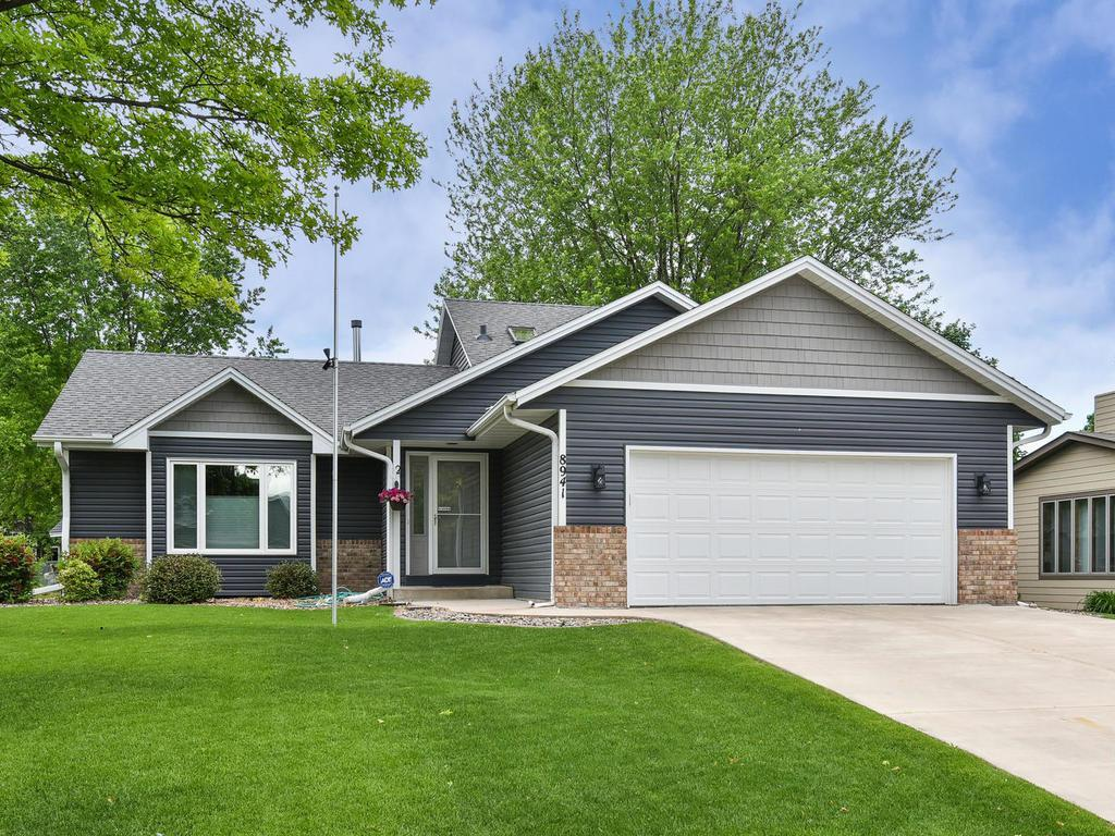 8941 Oakview N Property Photo