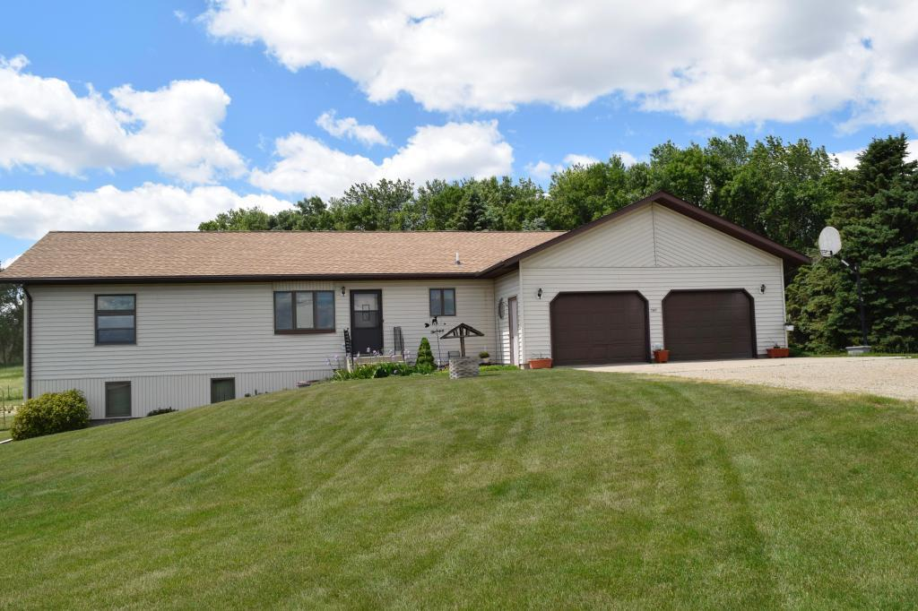 1367 260th Street Property Photo - Lynd, MN real estate listing